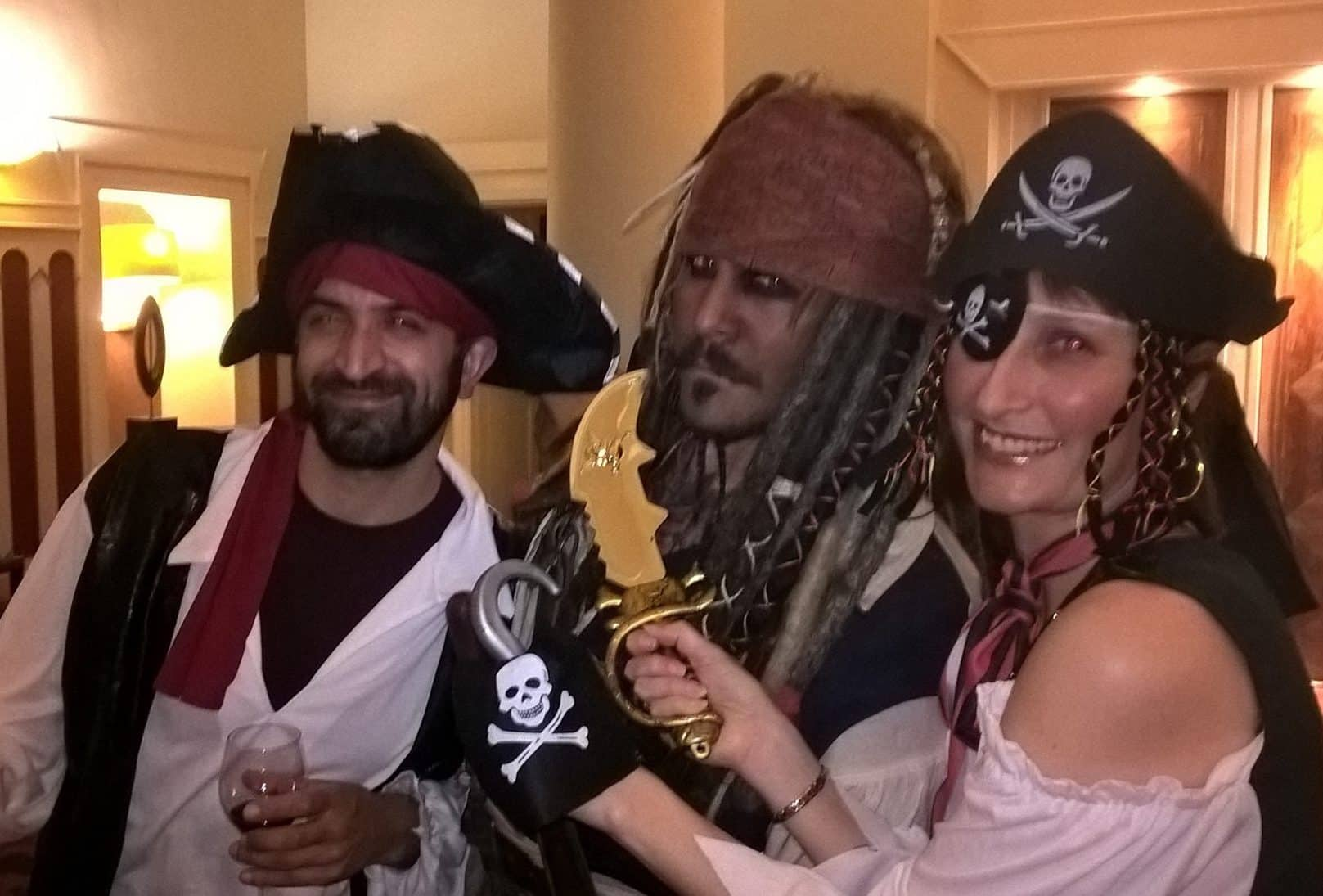 pirates of the caribbean lookalike